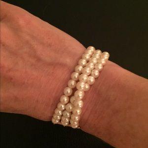 Jewelry - Pearl (faux) bracelet